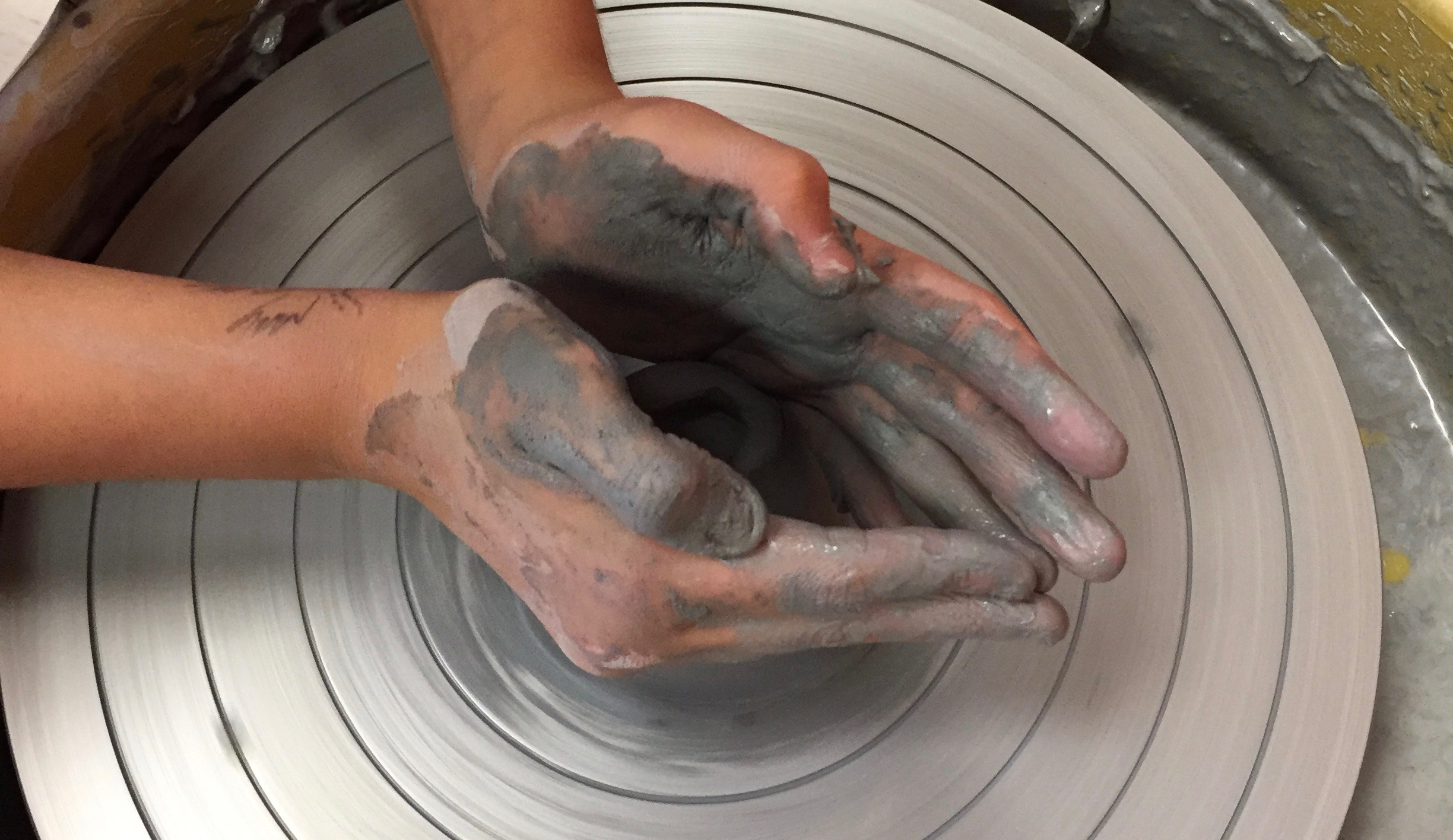 Clay In Motion: Mastering the Potter's Wheel w/Sandra Barrett (Ages 9-13)